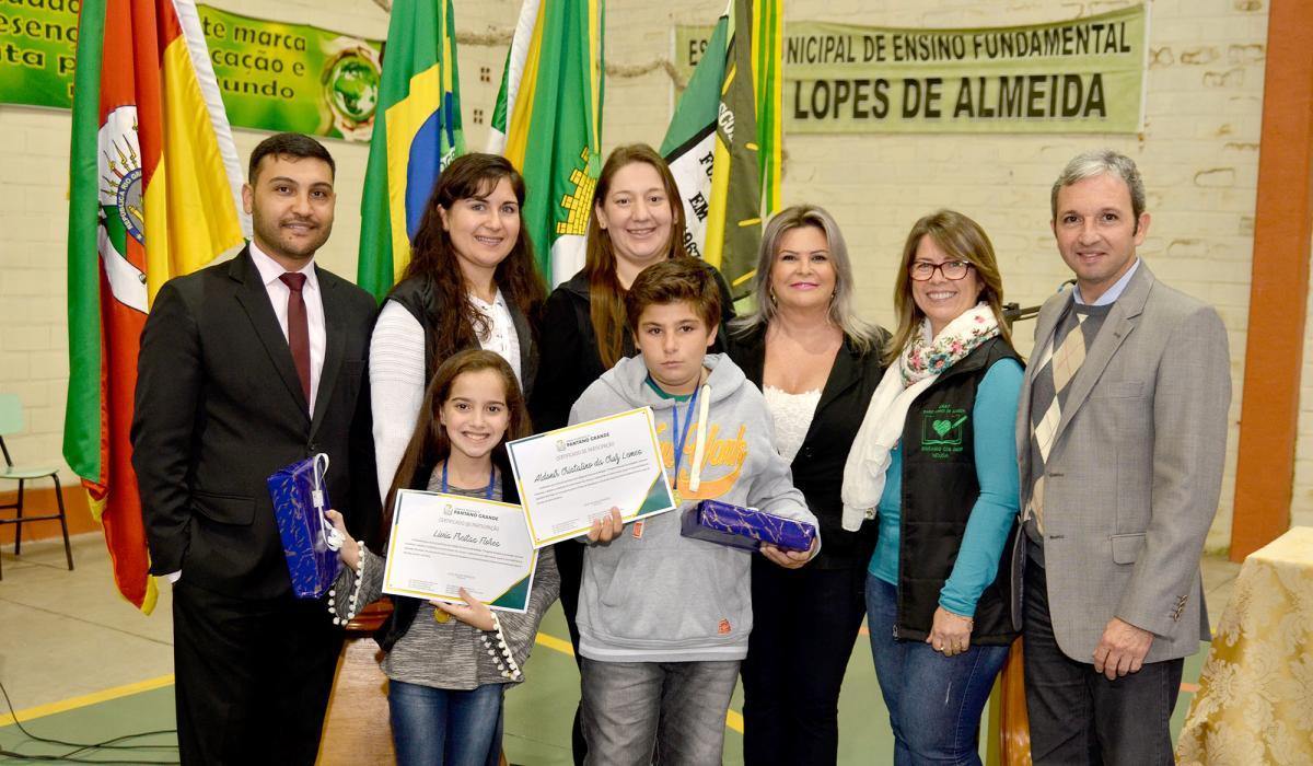 Câmara entrega premiações da 2ª edição do Concurso de Redação